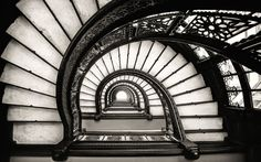 Rookery stairs in black and white. Said to be by Frank Lloyd Wright but he only rennovated a section of the building. Architecture Design, Organic Architecture, Amazing Architecture, Victorian Architecture, Stairs Architecture, Frank Lloyd Wright, Black And White Stairs, Black And White Wallpaper, Black White