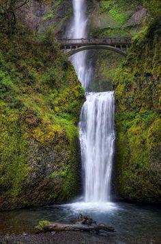 Multnomah Falls,Gola del fiume Columbia ,Oregon,USA  ©Ph.Eru