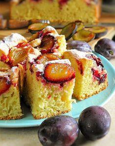 Łatwe ciasto ze śliwkami na oleju | sio-smutki! Monika od kuchni - #ciasto #kuchni #liwkami #monika #na #od #oleju #siosmutki #śliwkami #smutki #ze #łatwe Polish Desserts, Polish Recipes, Bakery Recipes, Dessert Recipes, Cooking Recipes, Plum Recipes, Sweet Recipes, Plum Cake, Just Bake