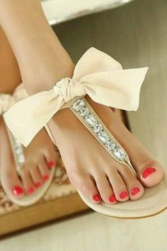 Cute diamond with nude bow sandals