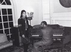 Michael Jackson - HQ Scan - Michael and Berry Gordy at the Motown museum in Detroit 1988 - マイケル・ジャクソン 写真
