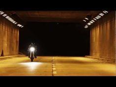 Lossa Engineerings short film Solus  Yamaha SR500, omgebouwd tot café-racer. Vroeg in de ochtend door NYC.