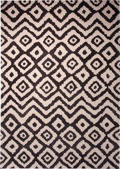 An eine echte afrikanische Handarbeit erinnernd, stellt sich dieses Muster dar. Ein Teppich, der mit seinem ursprünglichen Charme besonders gut zum modernen, natürlichen Einrichtungsstil passt. Die Natürlichkeit und Wärme, die der Teppich ausstrahlt, bringt absolute Wohlfühlatmosphäre.