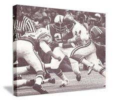 Vintage Big 8 Battle on canvas. Great Oklahoma football art. Joe Washington running against Nebraska. http://www.47straightposters.com/