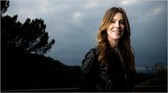 Kathryn Bigelow  http://revistavortice.wordpress.com/2014/08/29/rompiendo-las-barreras-del-septimo-arte-una-breve-historia-sobre-directoras-de-cine/