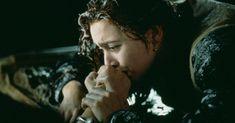 Filme Titanic. Rose solta a mão de Jack