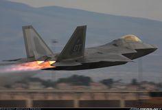 f_22_raptor_going_full_afterburner_by_jamestayloranime-d526bsn.jpg