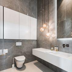 Ilmava kotikylpylä, pesuhuone, wc ja eteinen │ Laattapiste #laattapiste #marmori #suurlaatta #kivikuosi #moderni #wc Bathroom Inspiration, Double Vanity, Sweet Home, House Design, Interior Design, Bathrooms, Style, Villa, Ideas