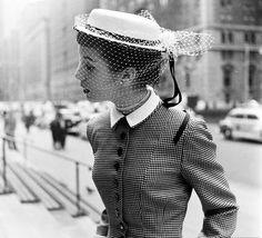 I wish ladies still dressed like this!!!-50's fashion