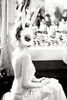 Forever your bunny. ~ETS (Ellen von Unwerth 'White Bunny' White Crystal Bunny / Nasty Glam Bunny mask made of Swarovski crystals) Ellen Von Unwerth, Halloween Bonito, Bunny Mask, Looks Halloween, Effects Photoshop, Masquerade Ball, Masquerade Wedding, Pics Art, Belle Photo