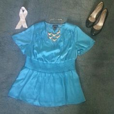 Pretty tealish blouse Pretty blouse with Vneck & elastic waist. Very flattering Lane Bryant Tops Blouses