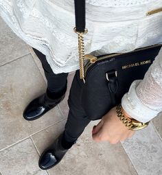 Ootd: Shoes, Bag Cindy and Watches by Michael Kors, Jeans by Mango, Top by Guess Jeans Guess Jeans, My Photos, Mango, Ootd, Michael Kors, Watches, Shoes, Manga, Wrist Watches