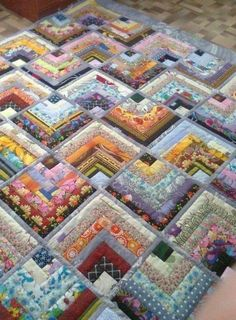This particular impression (beautiful skills crochet knitting quilting half log Half Log Cabin Quilt Pattern) above will be l Jellyroll Quilts, Scrappy Quilts, Patchwork Quilting, Crazy Quilting, Applique Quilts, Log Cabin Quilt Pattern, Log Cabin Quilts, Log Cabins, Log Cabin Patchwork