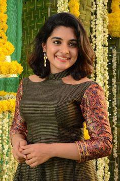 Chudidhar Neck Designs, Neck Designs For Suits, Neckline Designs, Sleeves Designs For Dresses, Fancy Blouse Designs, Blouse Neck Designs, Salwar Suit Neck Designs, Churidar Designs, Kurta Neck Design