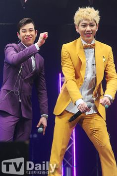 Zico looks like an old granny that's trying to be cool again omg I can't xD