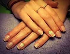 nails, french manicure, daisy