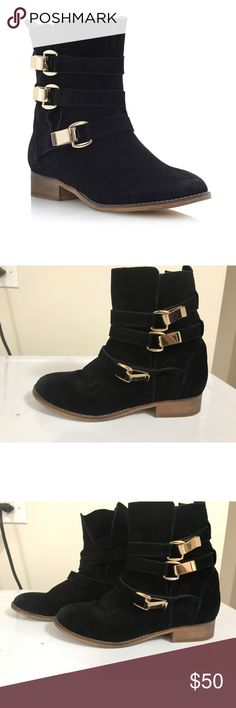 "STEVE MADDEN black with gold accessories (Size 7 1/2) STEVE MADDEN black ""HAGGLE"" boots. In great condition, perfect for fall. Really comfortable and cute. Gently worn with suede material. NO TRADES. BUNDLE DEALS!! Steve Madden Shoes"
