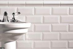 Carrelage métro : le blanc réveille la déco - 21 idées pour réveiller une salle de bains - CôtéMaison.fr