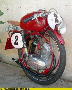 One wheeled MV Agusta #motorcycles - not sure if this would actually work, but it sure is pretty.