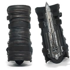Assassins Creed IV 4 Black Flag Pirate Hidden Blade Gauntlet Cosplay Replica Material: PVC It's not a weapon just a toy would be a great item to add to any cosplay costume. Great for collectibles and