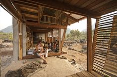 Safe Haven Library Location: Ban Tha Song Yang, Thailand Client: Safe Haven Orphanage Project: Library Cost: 29.000 NOK / 4.800 USD Building period: 12.–29. January 2009 Built by: Students and Tutors from NTNU Arquitetura Vernacular, Vernacular Architecture, Bamboo Architecture, Sustainable Architecture, Library Architecture, Tropical Architecture, Architecture Design, Safe Haven, Library Design