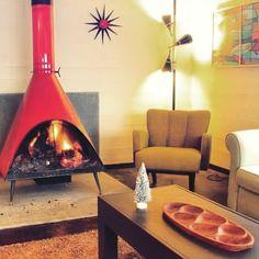 Wishin' I was curled up by this dreamy fireplace  #vintage #vintagestyle #vintagelife #mod #bohemian #boho #inspiration #inspo #goals #retro #retrolife #retrolifestyle #classic #fireplace #snowedin #blizzard2016 #retroroom #livingroom #groovy #instadaily  #cantstopwontstop by freedomlandvintage