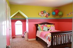 Adorable girls room - Brooklyn would LOVE this