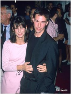 A Wealth of GIFs of Sandra Bullock and Keanu Reeves Being Adorable Keanu Reeves Speed, Keanu Reeves Young, Keanu Reeves John Wick, Keanu Charles Reeves, Larry Wilcox, Sandra Bullock Speed, Sandra Bullock Young, Sandro, Keanu Reeves Sandra Bullock