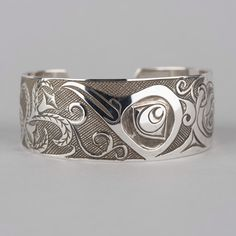 Hummingbird and Flowers Northwest Native Haida Cuff Bracelet Antiqued Finish Sterling Silver Cuff, Silver Bangles, Silver Jewelry, Men's Jewelry, Sterling Jewelry, Silver Rings, Native American Rings, Grave, Indian Jewelry