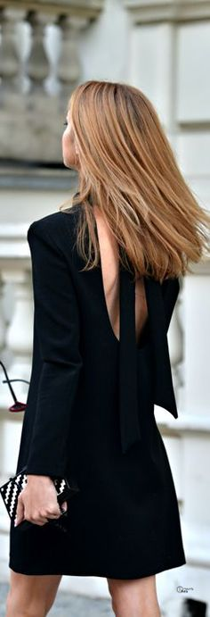 so simple and chic, love the hair