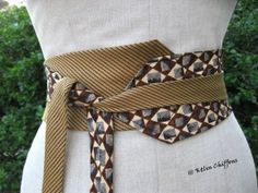 Old ties upcycled into a kimono style belt Diy Clothing, Sewing Clothes, Cinto Obi, Sewing Hacks, Sewing Projects, 40s Mode, Old Ties, Tie Crafts, Obi Belt
