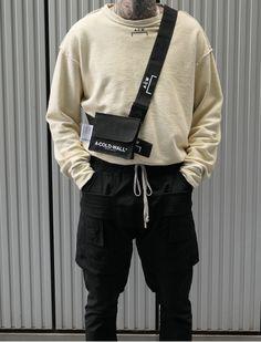 Men's Utility Trend // A-Cold-Wall Long-sleeve Crewneck, A-Cold-Wall Crossbody Bag, Rick Owens Cargo Pants. Men Street, Street Wear, Mens Dressing Styles Casual, A Cold Wall, Mens Fashion, Fashion Outfits, Street Fashion, High Fashion, Fashion Styles