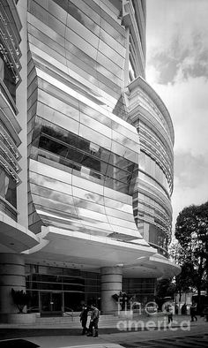 Faceted Undulations  Highrise curtainwall system in Mexico City