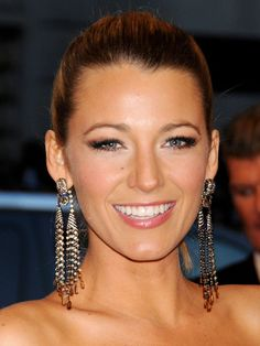 Met Ball 2013: Blake Lively http://beautyeditor.ca/gallery/met-ball-2013/blake-lively/