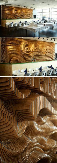 So... abgefahren. Und sowas von aufwändig. o.O → Mehr #Design #Interior #Holz #Relief #Bar #Ideen & #Inspiration auf pins.dermichael.net ▶▶
