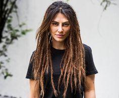 Cleo Pires, que se prepara para novo projeto na TV, dá detalhes da mudança do visual e revela os cuidados com o cabelo dreadlocks: 'Encontrei oportunidade perfeita'♥