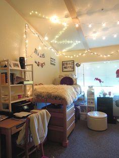 Santa Clara dorm in Campisi Residence Hall  Photo by @mag_e_moo