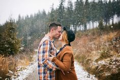 couple, couplelove, paarshooting, photography, outdoorsession, in love, happy and confident, be happy, photographer austria, austrian photographer, sabine wieser fotografie, lovesession, kissing, snow, wintershooting, sigma 35mm art