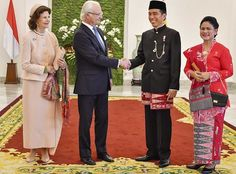 King Carl XVI Gustav and Queen Silvia of Sweden is currently making a 3 days official visit to Indonesia. On the first day of the visit, King Carl Gustav and Queen Silvia met with Indonesian President Joko Widodo and his wife Iriana in Bogor on May Margrave, Queen Of Sweden, Grand Prince, Baronet, Swedish Royalty, Queen Silvia, Grand Duke, Joko, Royal House