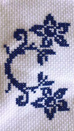 Cross Stitch Borders, Cross Stitch Designs, Cross Stitch Patterns, Embroidery Art, Embroidery Stitches, Micro Macrame, Baby Knitting Patterns, Crochet, Crafts