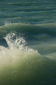 green sea waves fabric and thread inspiration. Water Waves, Sea Waves, Sea And Ocean, Ocean Beach, Dame Nature, Ocean Scenes, Belle Photo, Beautiful World, Simply Beautiful