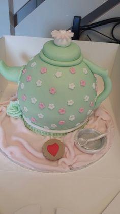 Teapot Cake Teapot Cake, Cake Ideas, Tea Pots, Cake Decorating, Lunch Box, Cakes, Cake Makers, Kuchen, Tea Pot