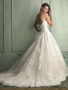 Allure Bridals : Allure Collection : Style 9121 : Available colours : White, Ivory, Baby Pink/Ivory (back)