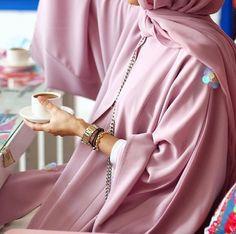 I LOVE ABAYA. Abaya Businesses, Bloggers and a little of Me. IG: BeautiifulinBlack Pinterest:...