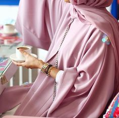 I LOVE ABAYA. Abaya Businesses, Bloggers and a little of Me. IG: BeautiifulinBlack Pinterest:...