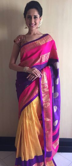 Beautiful pattu saree South Indian Sarees, Indian Silk Sarees, Indian Bridal Lehenga, Indian Beauty Saree, Designer Silk Sarees, Designer Dresses, Pakistani Outfits, Indian Outfits, Sari Blouse Designs