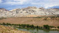 One of the scenic views of #dinosaur National Monument in #utah along the auto tour. The Green River snakes thru this park and gave the mountains their shape. #FindYourPark #NationalParks #mountains #uintas #utahgram #utahisrad #geology #geologicalwonders #nationalparkfamily #naturetechfam #familytravel #outfam