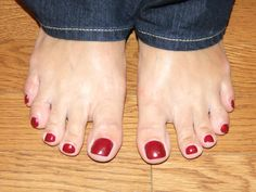 "The shape of your toes may include ""family toes"" – You know, your toe maybe shaped like your mom's or your great aunt Mary's. Can a toe reader tell the difference? This is tricky. As an experienced toe reader, I look for small nuances in the shape and condition of the supporting toes to determine whose story we are seeing. YOU can become a Family Toe Detective & trace back the shape of your the toe. Pictures can be enlarged if you do not have anyone to compare with…"