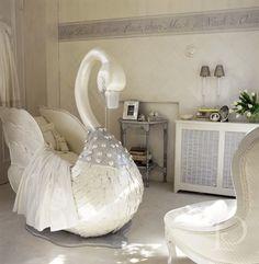 Swan Bassinet