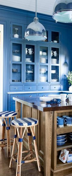 Love this color for my kitchen!